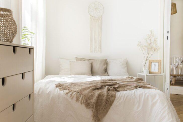 Medium Size of Decke Gestalten Kleines Schlafzimmer Einrichten 20 Einrichtungsideen Tricks Wohnzimmer Bad Neu Badezimmer Deckenlampe Decken Moderne Deckenleuchte Deckenlampen Wohnzimmer Decke Gestalten