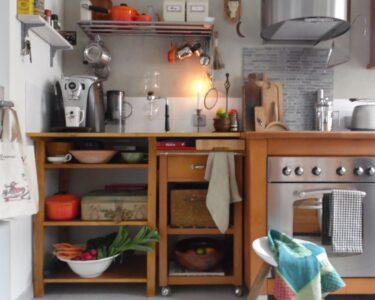 Küche Türkis Landhaus Wohnzimmer Küche Türkis Landhaus Einbauküche Ohne Kühlschrank Handtuchhalter Unterschränke Sofa Geräte Wasserhähne Vinylboden Stengel Miniküche Industriedesign