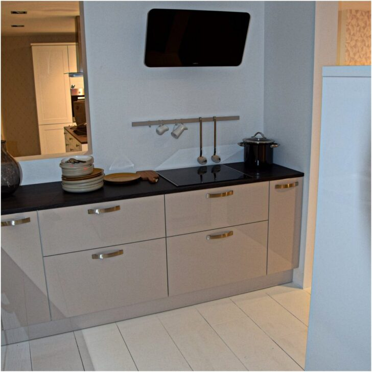 Medium Size of Nolte Kche Grau Matt Musterkche Gemtliche Landhaus Schlafzimmer Küchen Regal Küche Betten Wohnzimmer Nolte Küchen Glasfront
