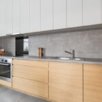 Küchen Holz Modern Wohnzimmer Küchen Holz Modern Graue Kchen Kchendesignmagazin Lassen Sie Sich Inspirieren Holztisch Garten Deckenlampen Wohnzimmer Massivholz Regal Schlafzimmer Fliesen