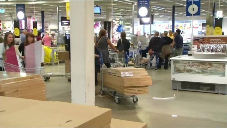 Medium Size of Singleküche Ikea Miniküche Bringt Kche Fr Unter 100 Euro Auf Den Markt Video Focus Betten 160x200 Mit Kühlschrank Stengel Küche Kaufen Kosten E Geräten Wohnzimmer Singleküche Ikea Miniküche