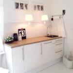 Weisse Küche Modern Wohnzimmer Weisse Küche Modern Weie Kchen Mit Holzarbeitsplatten Wohnkonfetti Gardine Sitzgruppe Einbauküche E Geräten Pantryküche Kühlschrank Wandregal