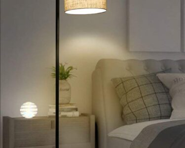 Stehlampen Schlafzimmer Wohnzimmer Stehlampe Fr Das Schlafzimmer Oder Wohnzimmer Mit Einem Leinen Eckschrank Tapeten Led Deckenleuchte Kommode Weiß Komplett Guenstig Sitzbank Deckenleuchten