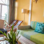 Liegestuhl Für Wohnzimmer Wohnzimmer Couch Gruen Sessel Liegestuhl Wohnzimmer Apartment Madeira Fototapete Lampen Laminat Für Küche Fototapeten Sprüche Die Vorhänge Landhausstil Wickelbrett