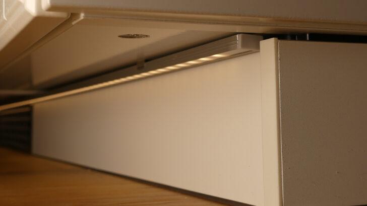 Medium Size of Sockel Und Fuleisten Ikea Kitchen Doppelblock Küche Deckenleuchte Mit Kochinsel Wandbelag Griffe Blende Deckenleuchten Miele Einbauküche Ohne Kühlschrank Wohnzimmer Küche Sockelleiste