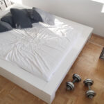 Flaches Bett Somnium Minimalistisches Design Von Weiß 180x200 Günstig Betten Kaufen Ohne Kopfteil Mit Lattenrost Boxspring Selber Bauen 120x200 Bestes Luxus Wohnzimmer Flaches Bett