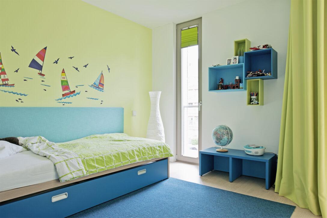 Wandgestaltung Kinderzimmer Jungen Regal Weiß Regale Sofa
