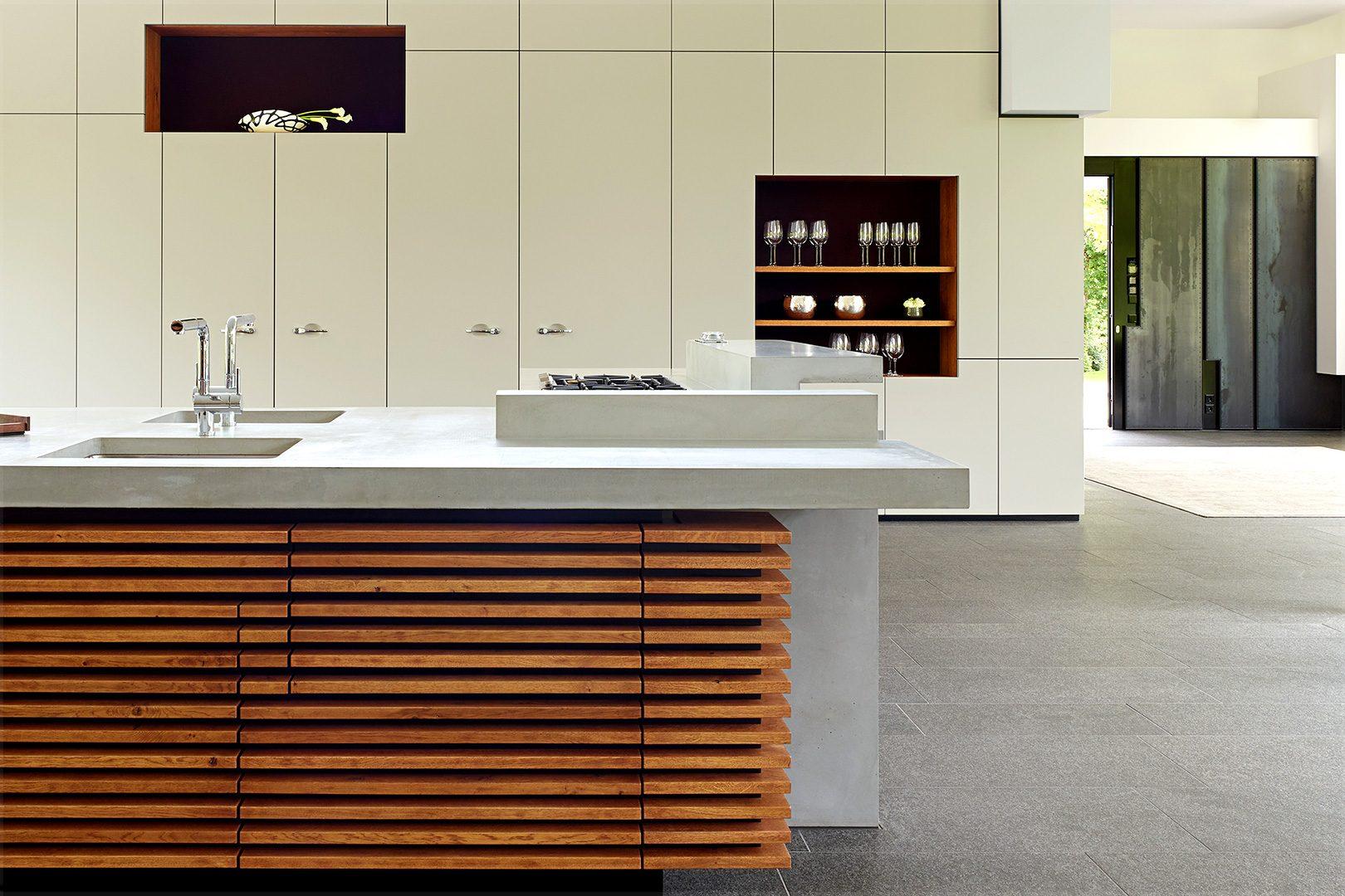 Full Size of Puristische Kchenarbeitsplatte Aus Beton Maxraumelemente Freistehende Küche Küchen Regal Wohnzimmer Freistehende Küchen