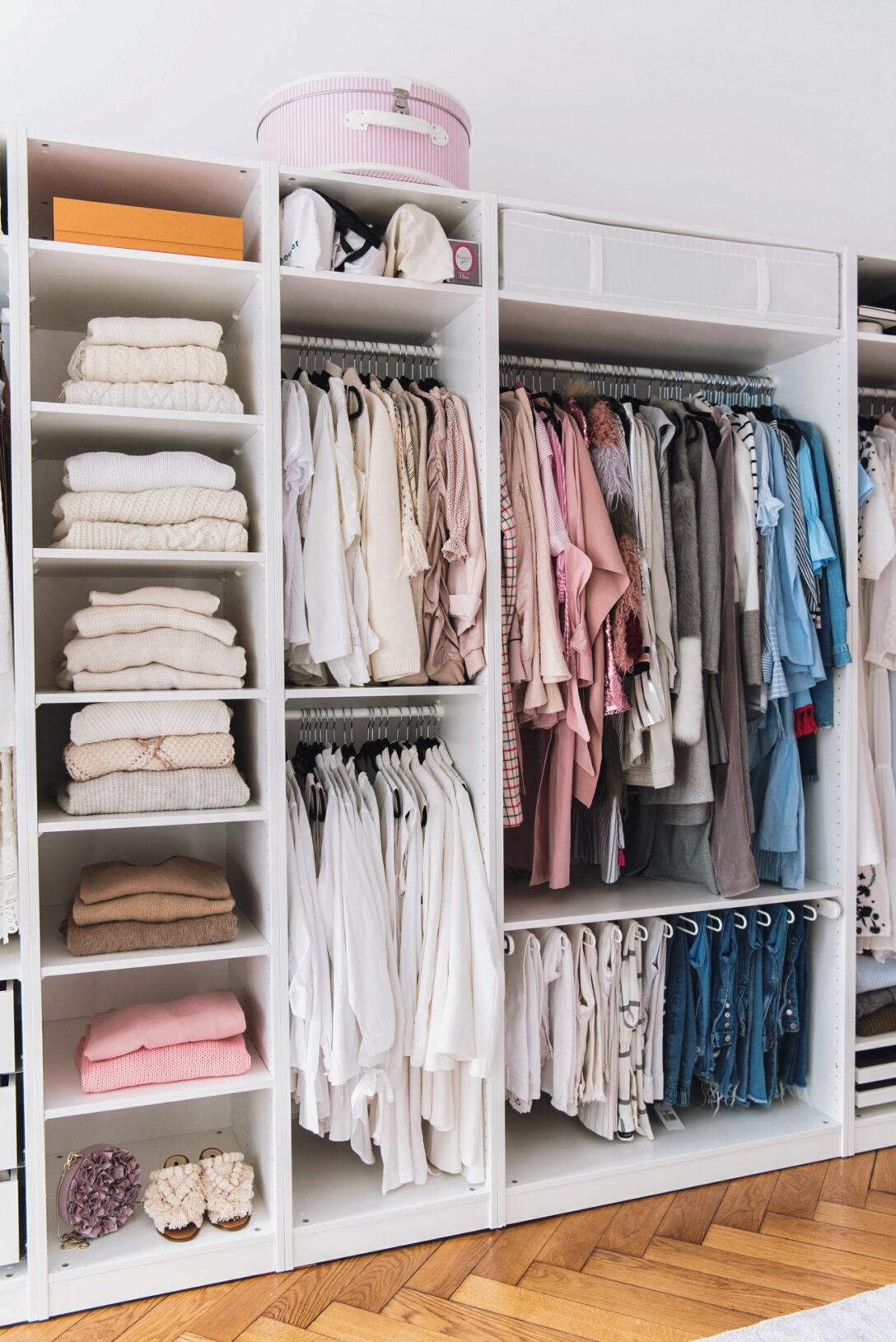 Large Size of Schrank Dachschräge Hinten Ikea 8 Tipps Kleiderschrank Organisieren Und Aufrumen Küche Eckschrank Wohnzimmer Schrankwand Hängeschrank Weiß Hochglanz Bad Wohnzimmer Schrank Dachschräge Hinten Ikea