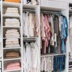 Schrank Dachschräge Hinten Ikea 8 Tipps Kleiderschrank Organisieren Und Aufrumen Küche Eckschrank Wohnzimmer Schrankwand Hängeschrank Weiß Hochglanz Bad Wohnzimmer Schrank Dachschräge Hinten Ikea