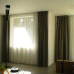 Vorhänge Schiene Wohnzimmer Fenster Mit Aussicht In Den Wald Heimteideen Vorhänge Küche Wohnzimmer Schlafzimmer