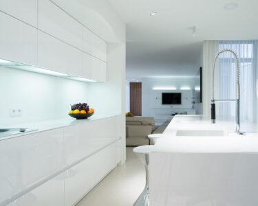 Küche Weiss Modern Wohnzimmer Deckenleuchten Küche Wandfliesen Beistellregal Wandbelag Nolte Schwarze Wasserhahn Landhaus Einrichten Gewinnen Massivholzküche Doppel Mülleimer