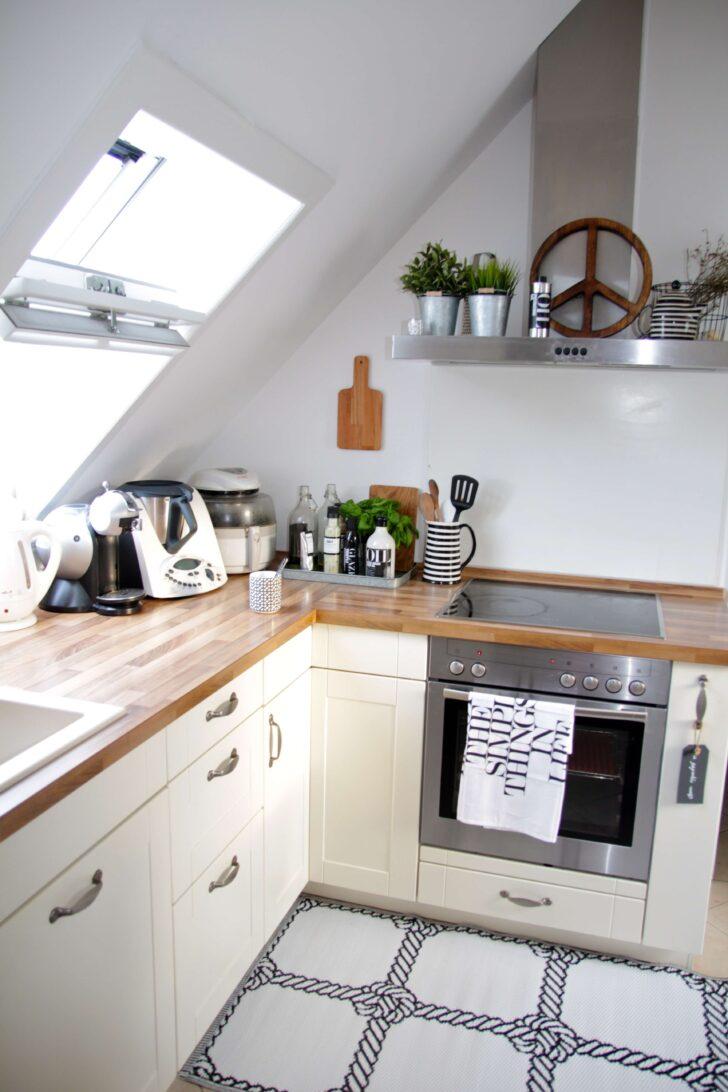 Medium Size of Dachboden Dachgeschoss Kche Einrichten Design Dots Was Kostet Eine Neue Küche Kinder Spielküche Handtuchhalter Mit Theke Lüftungsgitter Miniküche Wohnzimmer Küche Dachgeschoss