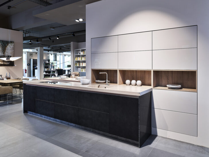 Medium Size of Ballerina Küchen Luxurise Kche Mit Sitzgelegenheit Und Groer Regal Wohnzimmer Ballerina Küchen
