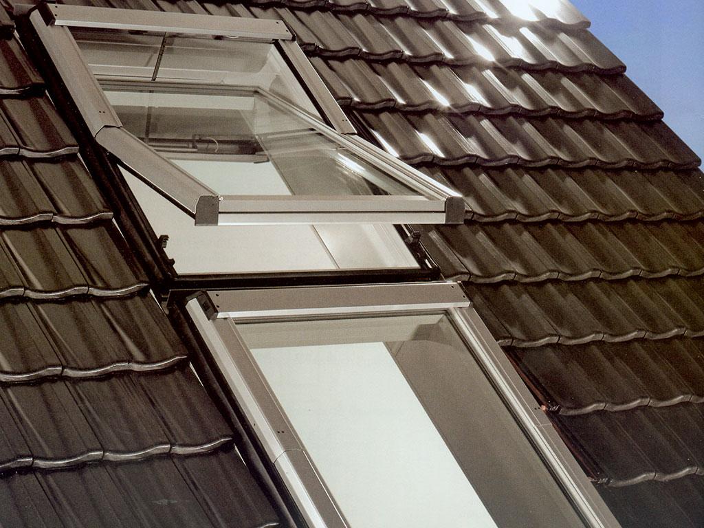 Full Size of Dachfenster Einbauen Einbau Austausch Rest Bedachungen Gmbh Bodengleiche Dusche Velux Fenster Kosten Rolladen Nachträglich Neue Wohnzimmer Dachfenster Einbauen