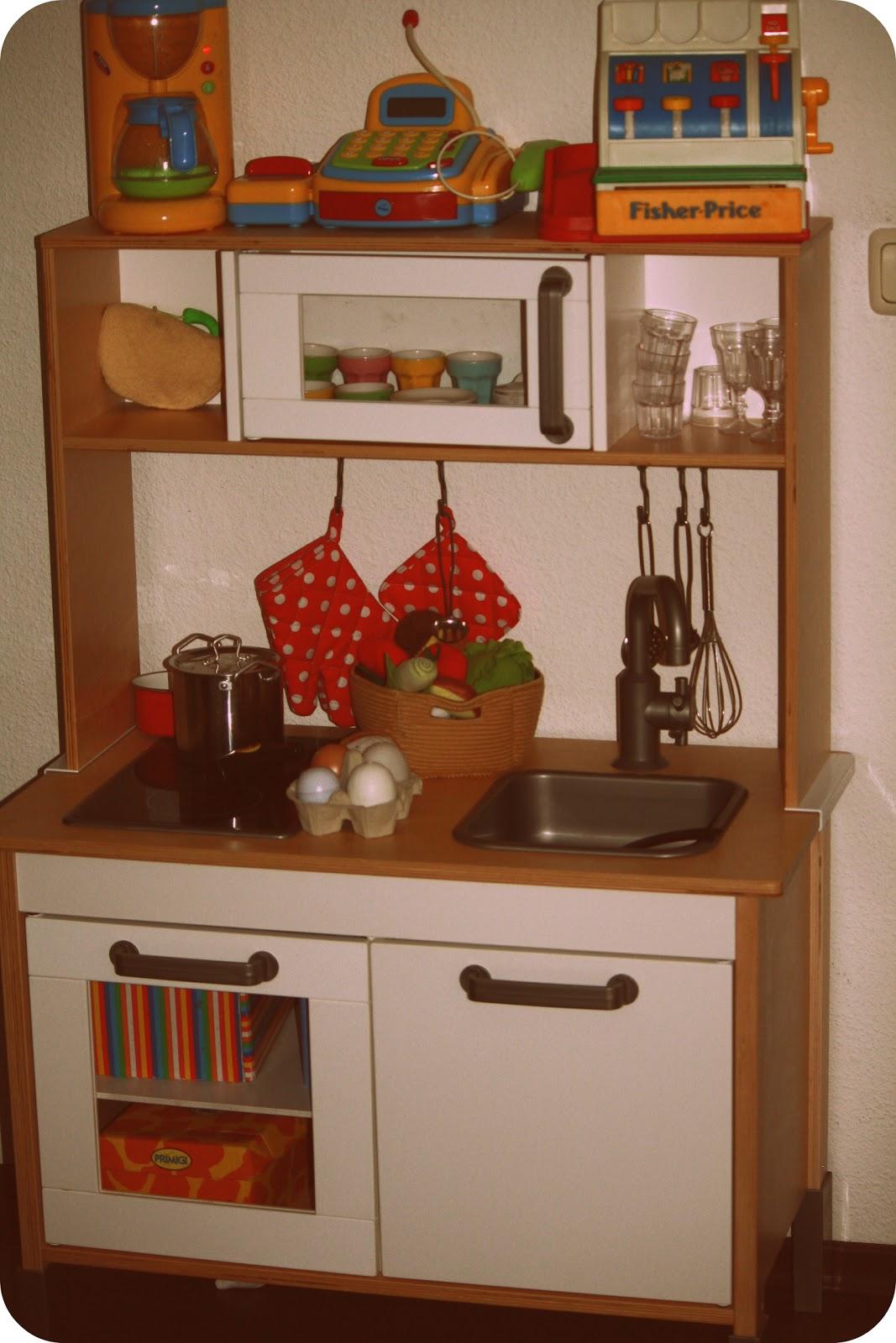 Full Size of Ikea Miniküchen Ruhrpottgre Und Ihr Alltagswahnsinn Kinderkche Sofa Mit Schlaffunktion Betten Bei Küche Kosten Miniküche Kaufen Modulküche 160x200 Wohnzimmer Ikea Miniküchen