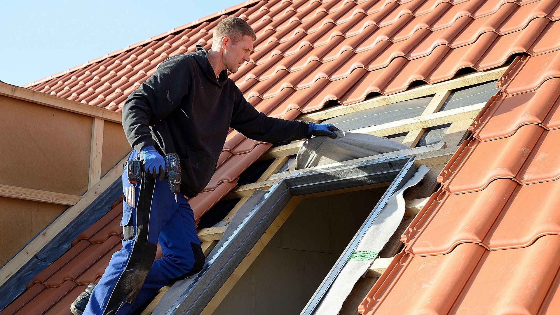 Full Size of Dachfenster Einbauen Dach Bttcher Fenster Kosten Dusche Bodengleiche Nachträglich Rolladen Neue Velux Wohnzimmer Dachfenster Einbauen