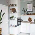 Landhausküche Einrichten Wohnzimmer Landhausküche Einrichten Kleine Kchen Grer Machen So Gehts Weisse Grau Küche Badezimmer Moderne Weiß Gebraucht