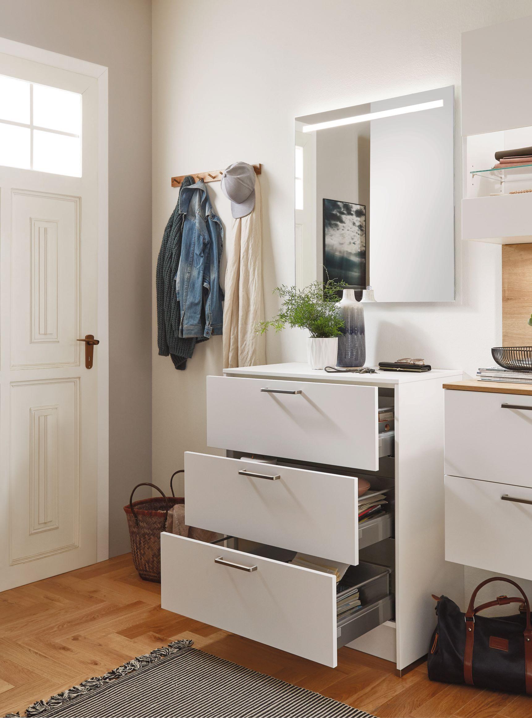 Full Size of Nobilia Kommode Mit 3 Schubladen 80 Cm Unterschrank Wei U3a Küche Einbauküche Wohnzimmer Nobilia Besteckeinsatz