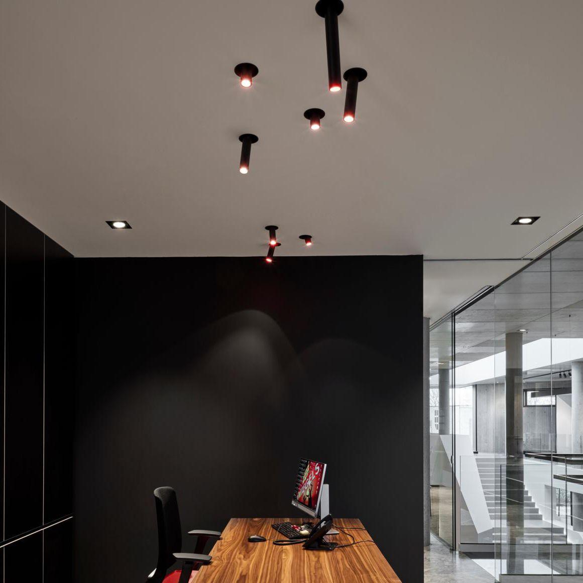 Full Size of Wohnzimmer Deckenstrahler Pivot 1170 Psmlighting Einbau Innenraum Deckenleuchte Gardinen Wandbild Großes Bild Teppich Stehlampe Lampe Deckenlampe Sofa Kleines Wohnzimmer Wohnzimmer Deckenstrahler