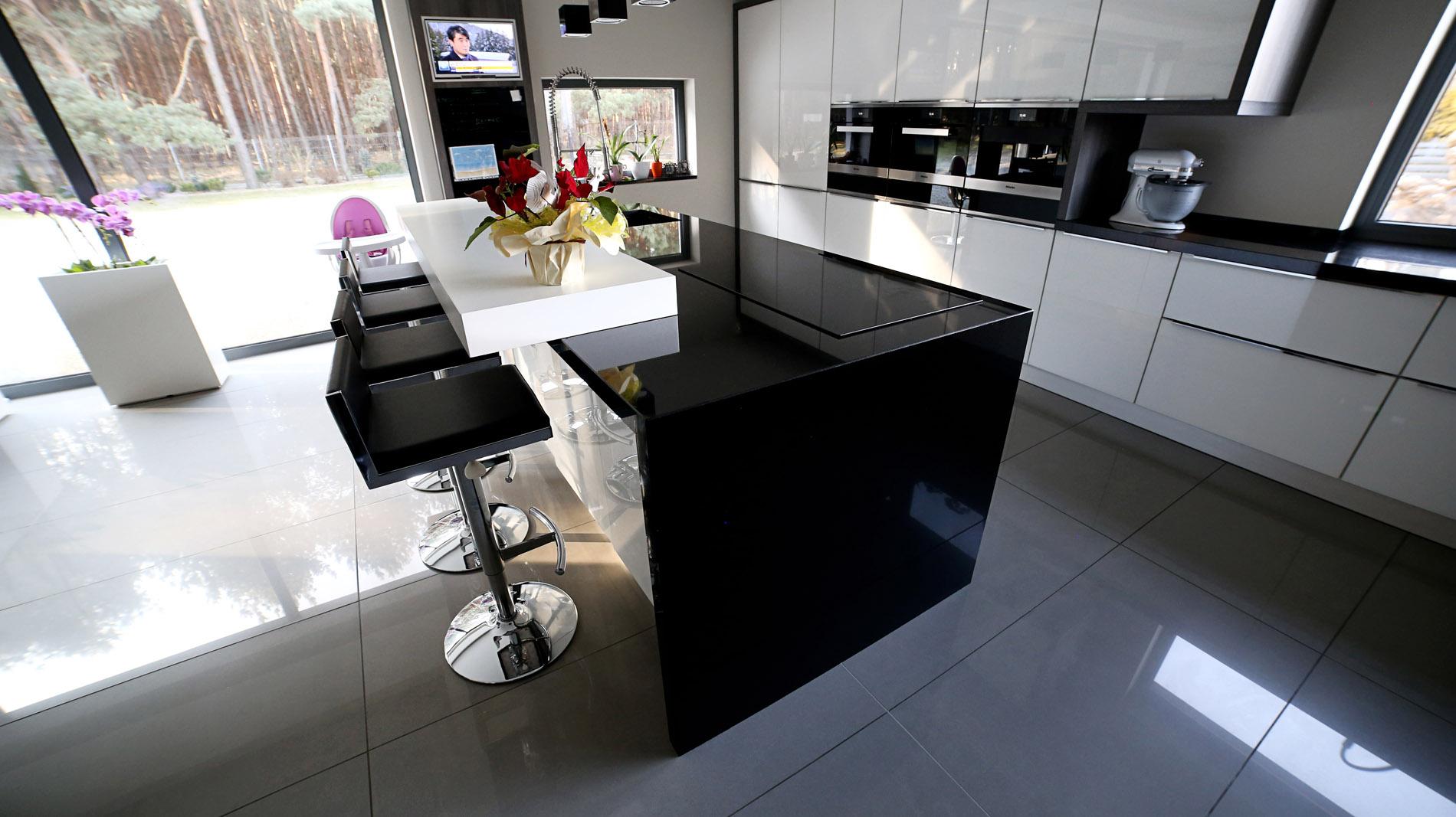 Full Size of Arbeitsplatte Aus Schwarzem Granit Absolut Black Franko Steinwelt Küche Sideboard Mit Arbeitsplatten Granitplatten Wohnzimmer Granit Arbeitsplatte
