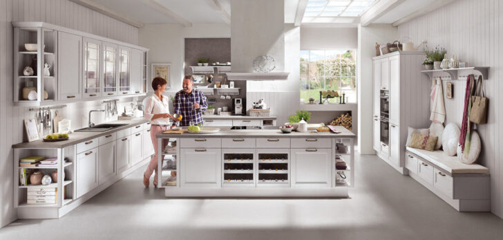 Medium Size of Nobilia Und Ikea Kchen Im Vergleich Was Ist Besser Wo Liegt Der Küche Umziehen Arbeitsplatte Einbau Mülleimer Büroküche Kostet Eine Neue Laminat Für Wohnzimmer Ikea Küche Landhaus Weiß