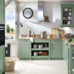 Landhausküche Einrichten Wohnzimmer Landhausküche Einrichten Schicke Landhauskche In Salbeigrn Kche Kchendesign Grau Badezimmer Kleine Küche Gebraucht Weiß Weisse Moderne