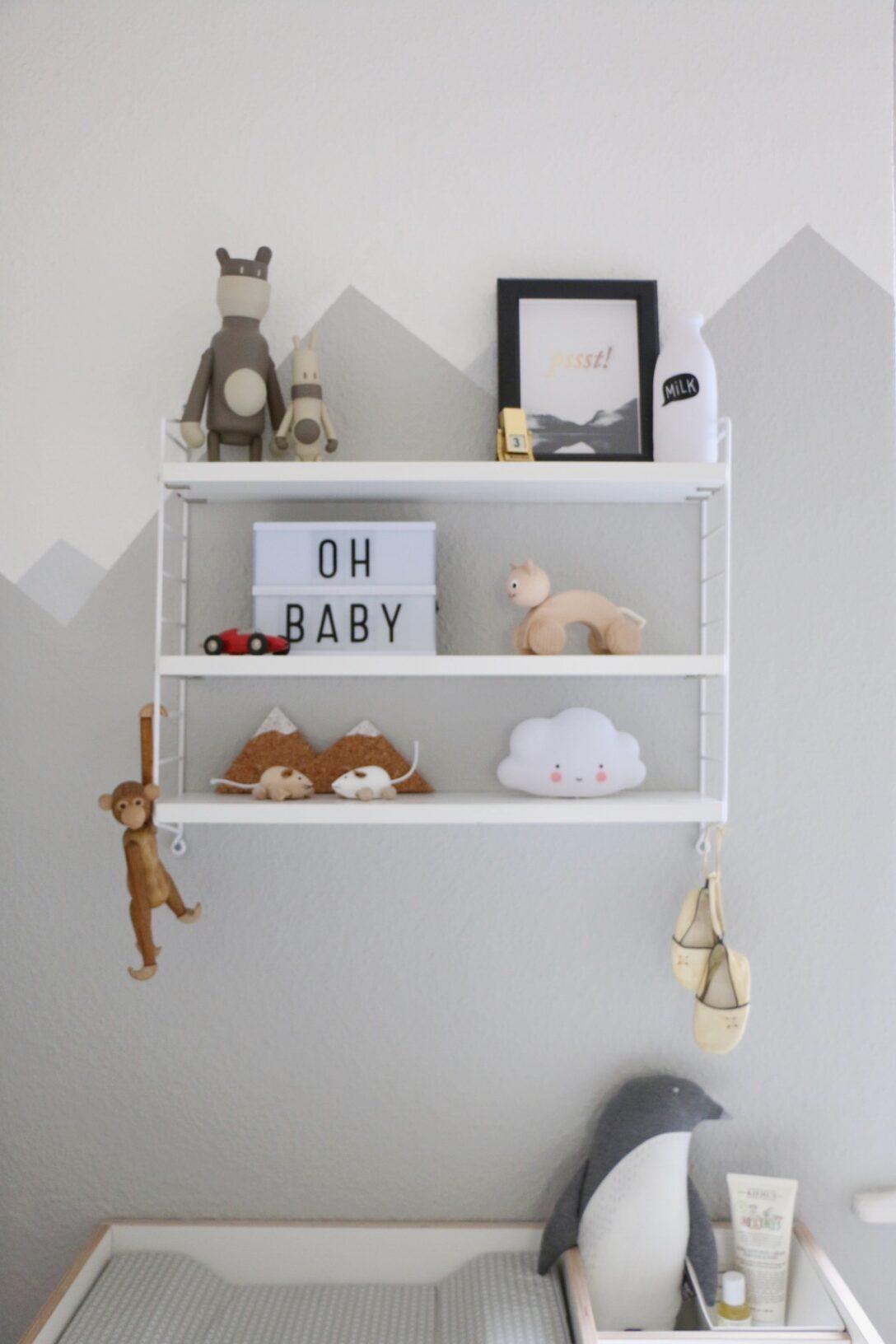 Wandgestaltung Kinderzimmer Jungen Mountain Nursery Wallpaint Im Babyzimmer Eat Regal Regale Sofa Weiß