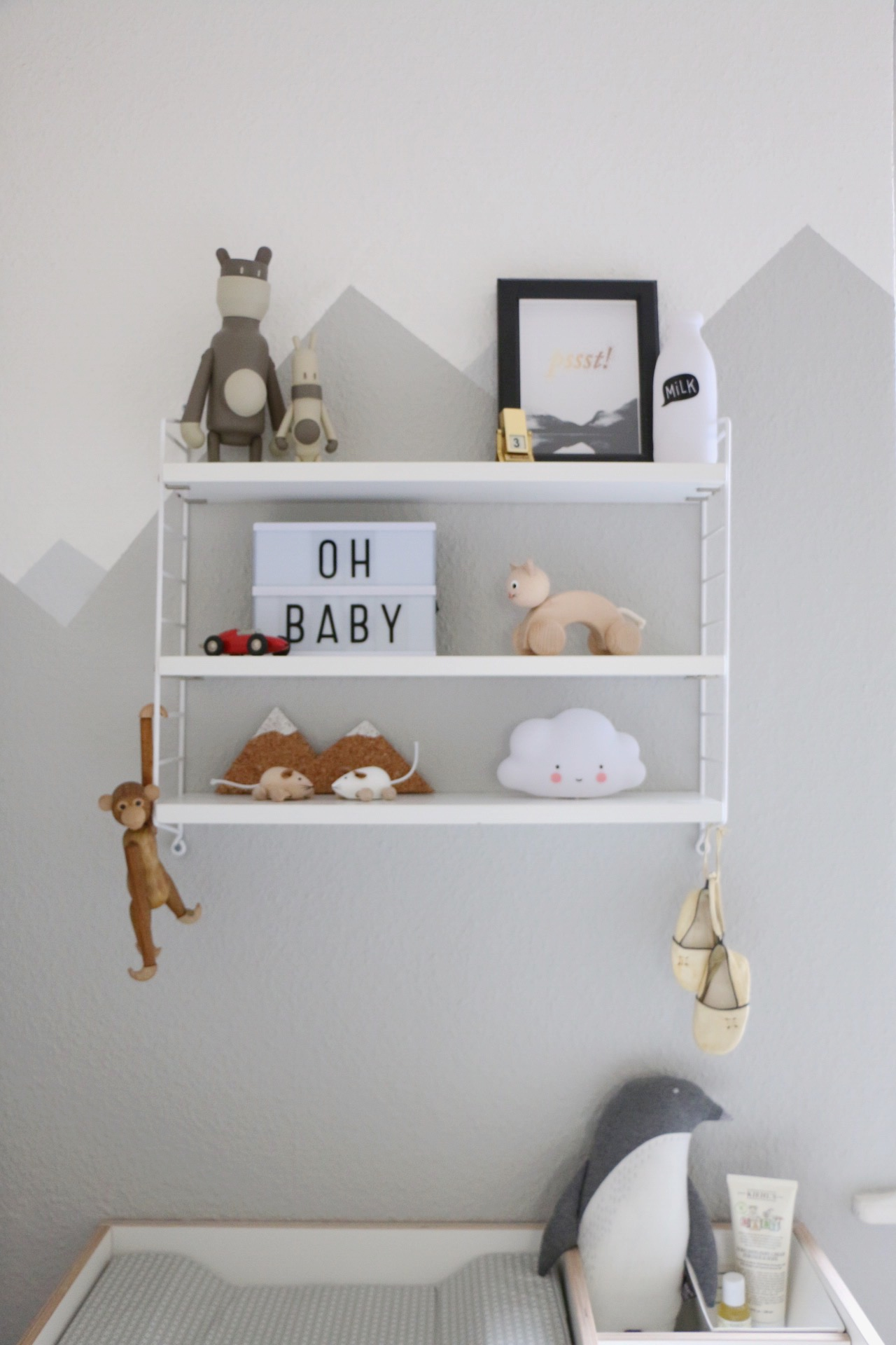 Full Size of Wandgestaltung Kinderzimmer Jungen Mountain Nursery Wallpaint Im Babyzimmer Eat Regal Regale Sofa Weiß Wohnzimmer Wandgestaltung Kinderzimmer Jungen