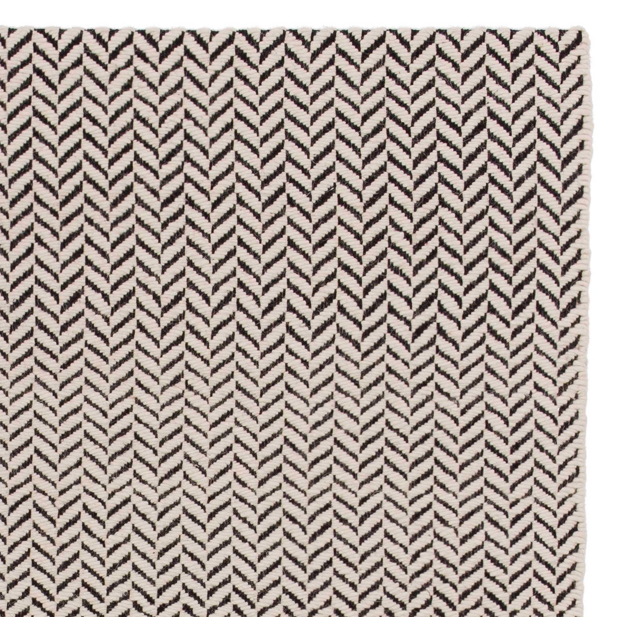 Full Size of Teppich Schwarz Weiß Kolvra Weißes Bett 90x200 Wohnzimmer Mit Schubladen Schweißausbrüche Wechseljahre Teppiche Schlafzimmer 160x200 Hochglanz Regal Für Wohnzimmer Teppich Schwarz Weiß