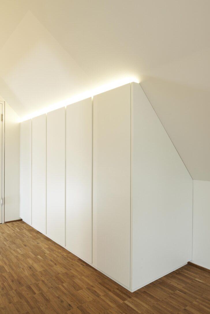 Diese Ankleide Besteht Aus Einem Offen Badezimmer Spiegelschrank Mit Beleuchtung Küche Apothekerschrank Hängeschrank Wohnzimmer Bad Und Steckdose Wohnzimmer Schrank Dachschräge Hinten Ikea