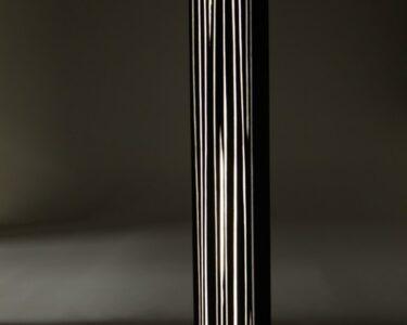 Stehlampe Eiche Wohnzimmer Eine Moderne Stehlampe Aus Holz Wirkt Elegant Und Warm Küche Sonoma Eiche Wildeiche Bett Schlafzimmer Ferienwohnung Bad Reichenhall Hotel Esstisch Stehlampen