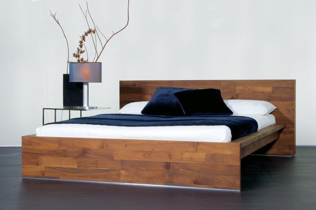 Large Size of Bett Design Holz Designer Aus Massivholz Deutsche Dekor 2018 Kleinkind Günstig Kaufen Bambus Matratze Esstische Holzregal Badezimmer Boxspring Betten Ebay Wohnzimmer Bett Design Holz