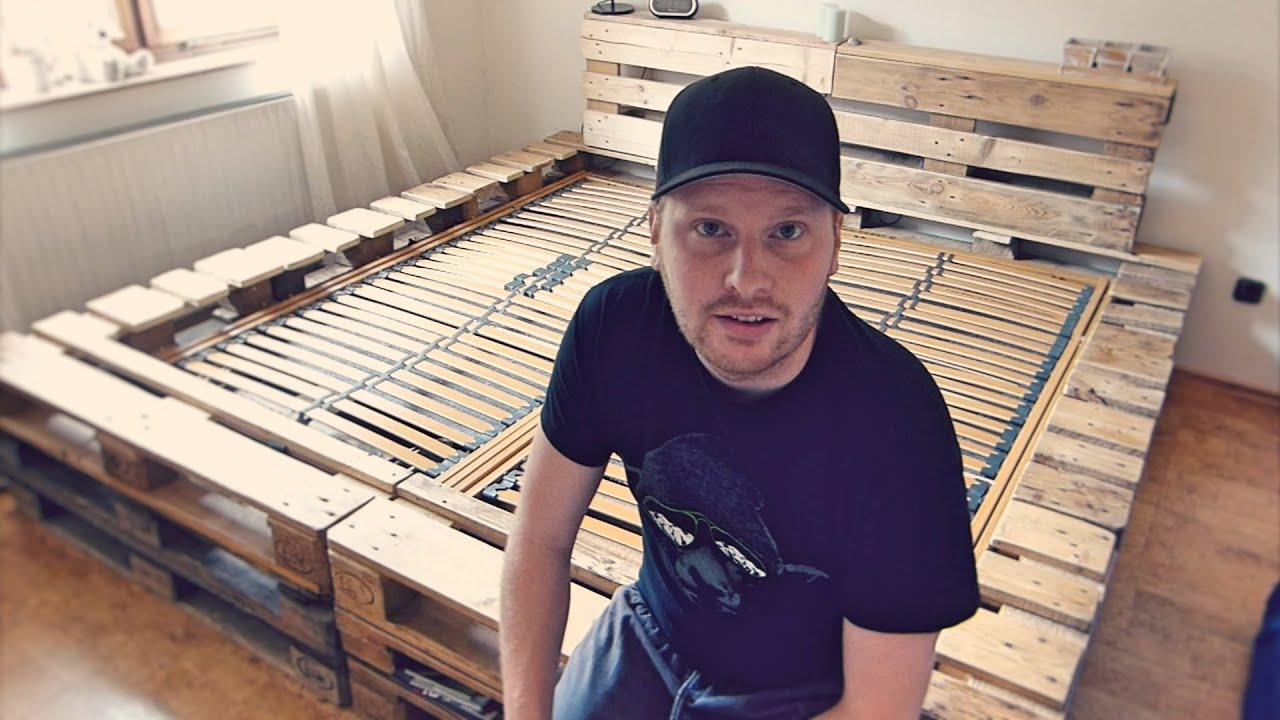 Full Size of Bauanleitung Bauplan Palettenbett Doppelbett Selber Bauen Aus Europaletten Youtube Wohnzimmer Bauanleitung Bauplan Palettenbett