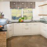 Landhausküche Einrichten Wohnzimmer Landhausküche Einrichten Weisse Küche Weiß Kleine Moderne Grau Gebraucht Badezimmer