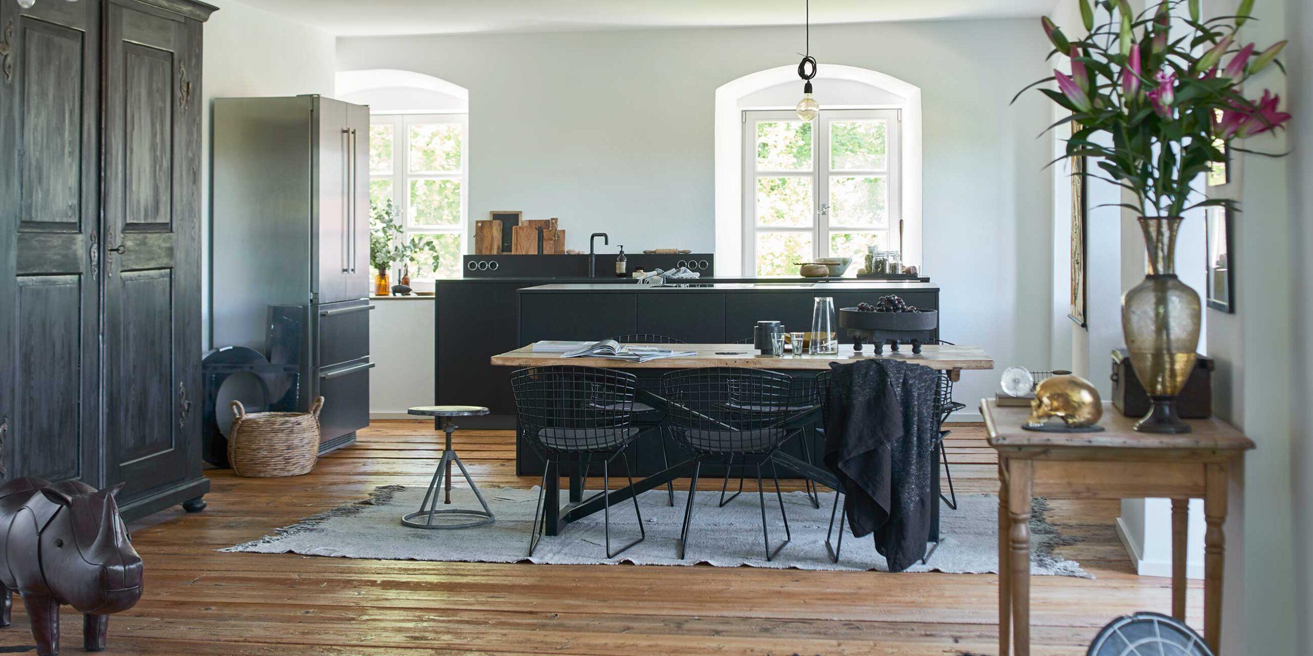 Full Size of Moderne Kche In Alter Villa Werkhaus Kchen Designkchen Aus Freistehende Küche Küchen Regal Wohnzimmer Freistehende Küchen