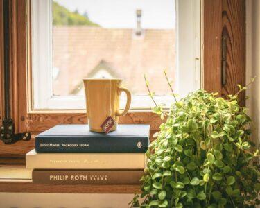 Moderne Küche Gardinen 2020 Wohnzimmer Moderne Küche Gardinen 2020 Das Arrangement Und Dekoration Des Fensters In Der Kche Aufbewahrungsbehälter Essplatz Miniküche Mit Kühlschrank Industrielook
