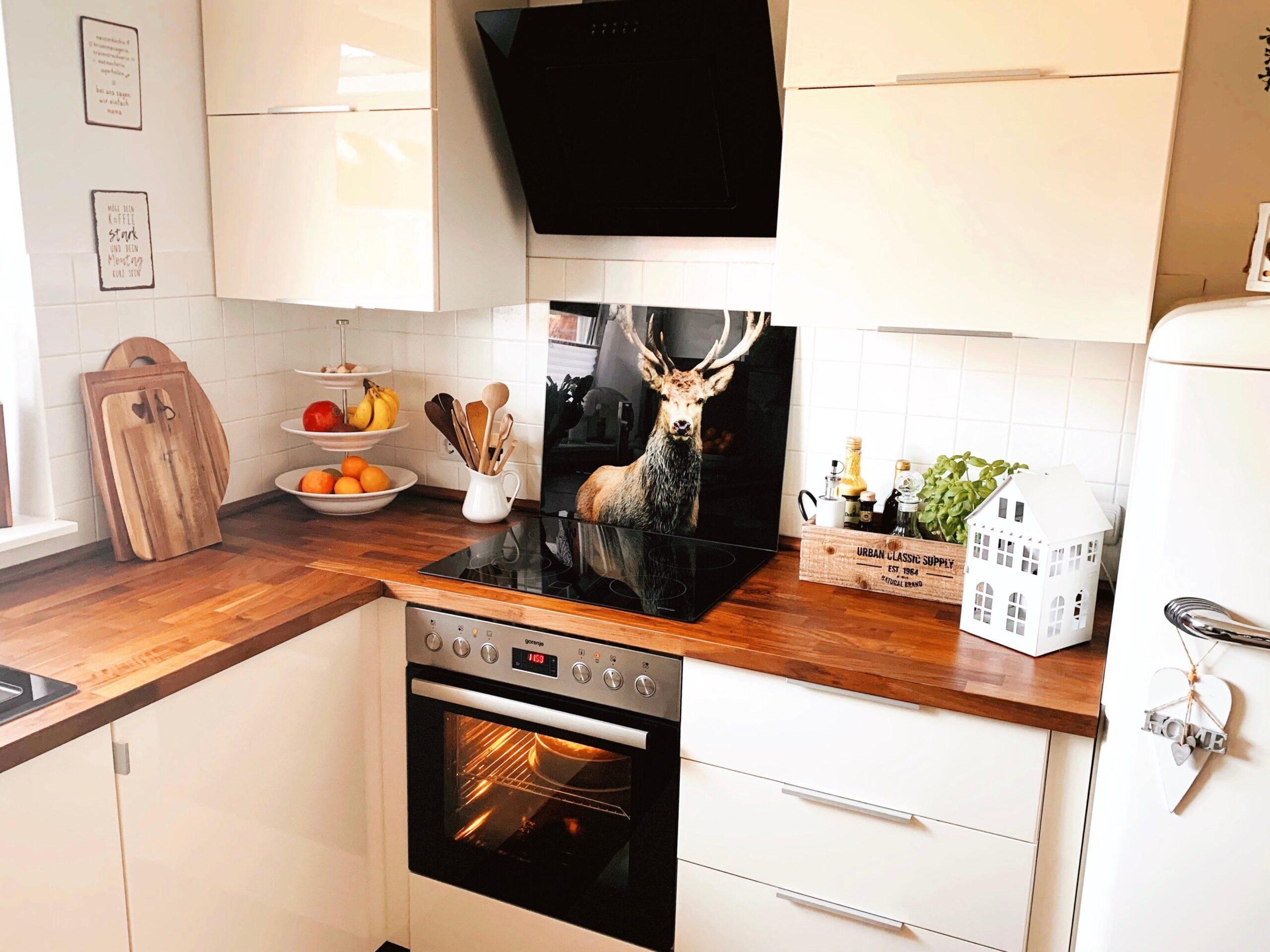 Full Size of Ein Bisschen Umgerumt In Der Kche Kcheninspo I Schwingtür Küche Ikea Kosten Miniküche Mit Kühlschrank Bartisch Kaufen Tipps Laminat Wandtattoo Nolte Wohnzimmer Küche Deko Ikea