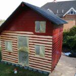Kinderspielhaus Gebraucht Das Streichen Des Spielhauses Spielhaus Aus Holz Gebrauchte Küche Chesterfield Sofa Verkaufen Garten Landhausküche Betten Fenster Wohnzimmer Kinderspielhaus Gebraucht