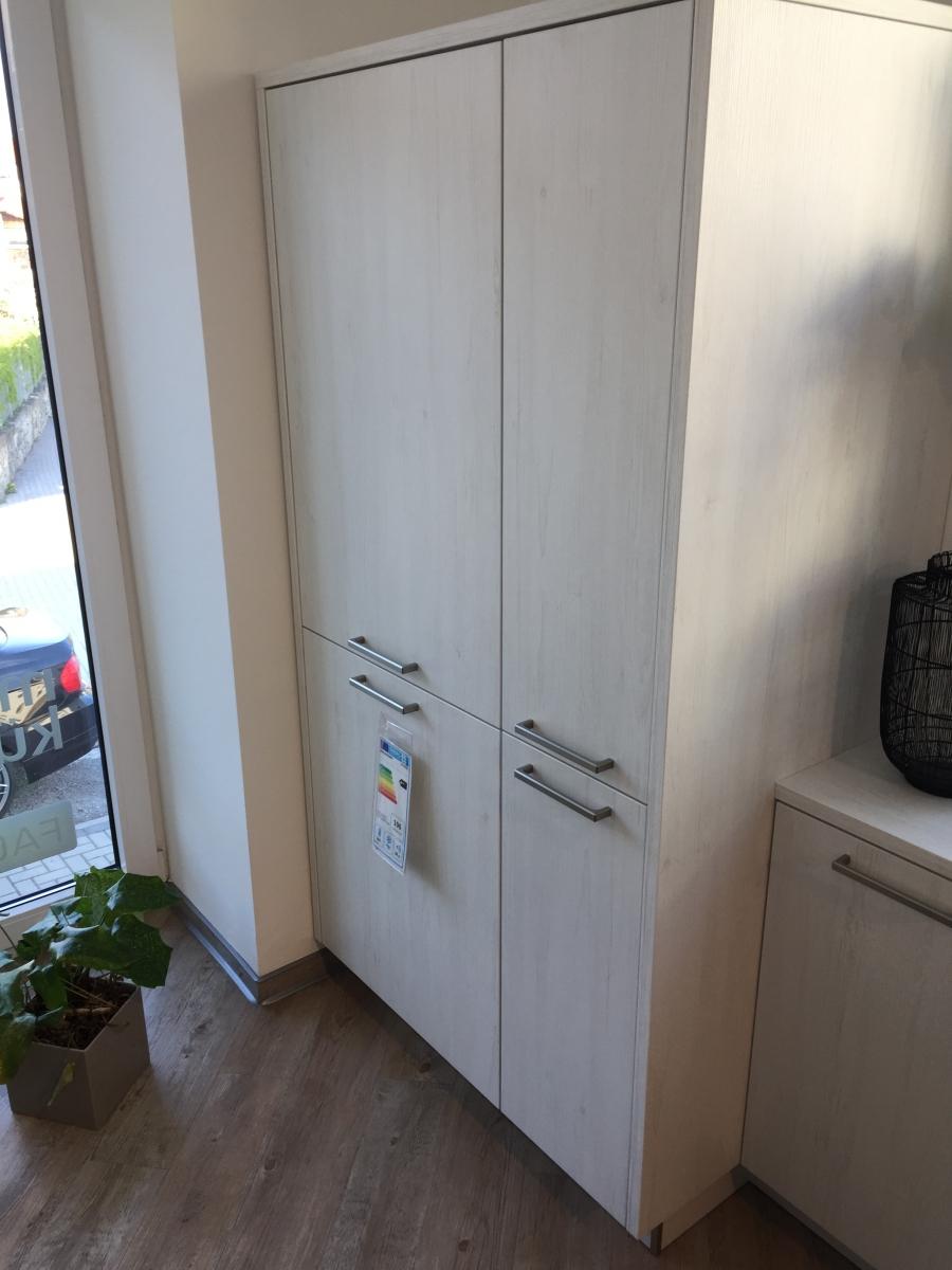Full Size of Moderne Kche Zweifarbig Unterschrank Küche Bodenbeläge Miniküche Ohne Oberschränke Möbelgriffe Wandfliesen Mini Einbauküche Günstig Hängeschrank Wohnzimmer Küche Zweifarbig
