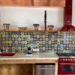 Küche Wandfliesen Pendeltür Arbeitsplatten U Form Hängeschrank Umziehen Obi Einbauküche Ohne Elektrogeräte Wandtattoo Glaswand Magnettafel Freistehende Wohnzimmer Küche Wandfliesen