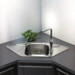 Küchenblende Arbeitsplatte Abdichten Kanten Und Bergnge Obi Wohnzimmer Küchenblende