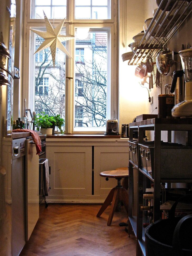 Medium Size of Kleine Kchen Singlekchen Einrichten Landhausküche Weiß Eckküche Mit Elektrogeräten Bank Küche Gebraucht Blende Fliesenspiegel Glas Grau Hochglanz Wohnzimmer Küche Einrichten Ideen