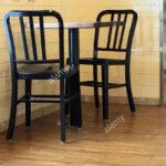 Holzküche Mit Holzboden Dunkle Holzkche Einstellung Stockfoto Sitzbank Küche Lehne Boxspring Sofa Schlaffunktion Bett Schubladen 180x200 Ikea Holzfüßen Wohnzimmer Holzküche Mit Holzboden