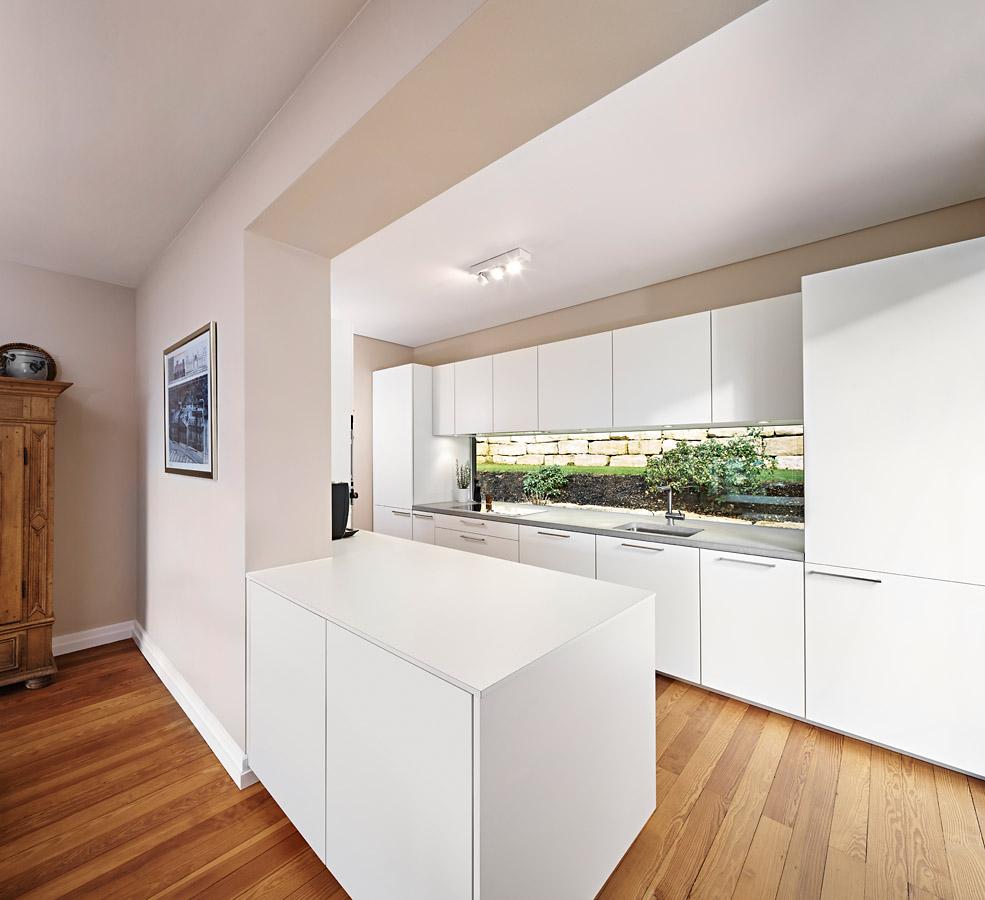Full Size of Poggenpohl Küchen Komplett Einrichtung Mit Kche Und Hellen Mbeln Regal Wohnzimmer Poggenpohl Küchen