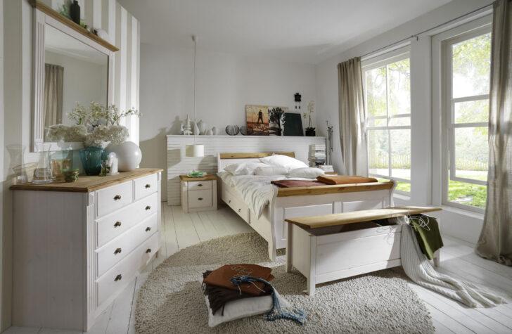 Medium Size of Massivholz Schlafzimmer Komplett Set Wei Gelaugt Landhausstil Luxus Gardinen Für Günstig Rauch Deckenleuchte Modern Kommode Landhaus Betten Sessel Weiß Wohnzimmer Schlafzimmer Komplett