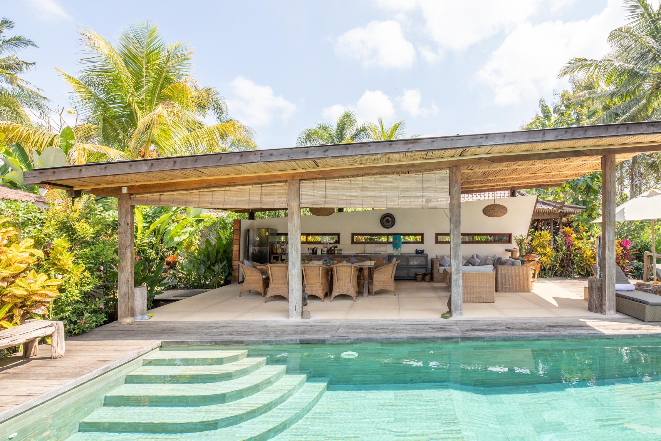 Full Size of Bali Bett Outdoor Kaufen Https Rooms Plus 5981894 Himmel Mit Bettkasten 140x200 Clinique Even Better Poco Amerikanische Betten Lattenrost 200x200 Weiß Wohnzimmer Bali Bett Outdoor