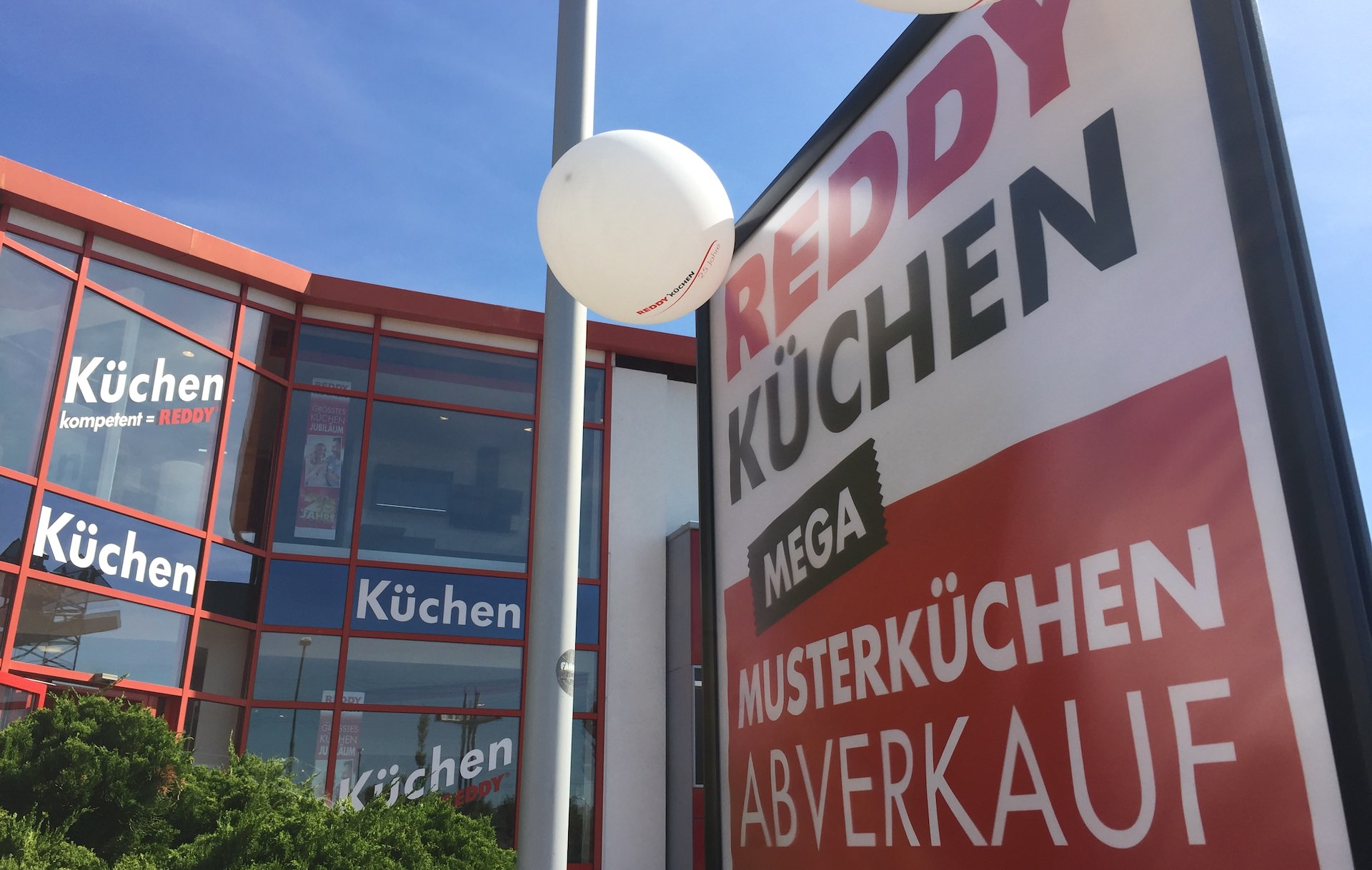 Full Size of Wegen Komplettumbau Abverkauf Bei Reddy Kchen Inselküche Bad Wohnzimmer Ausstellungsküchen Abverkauf