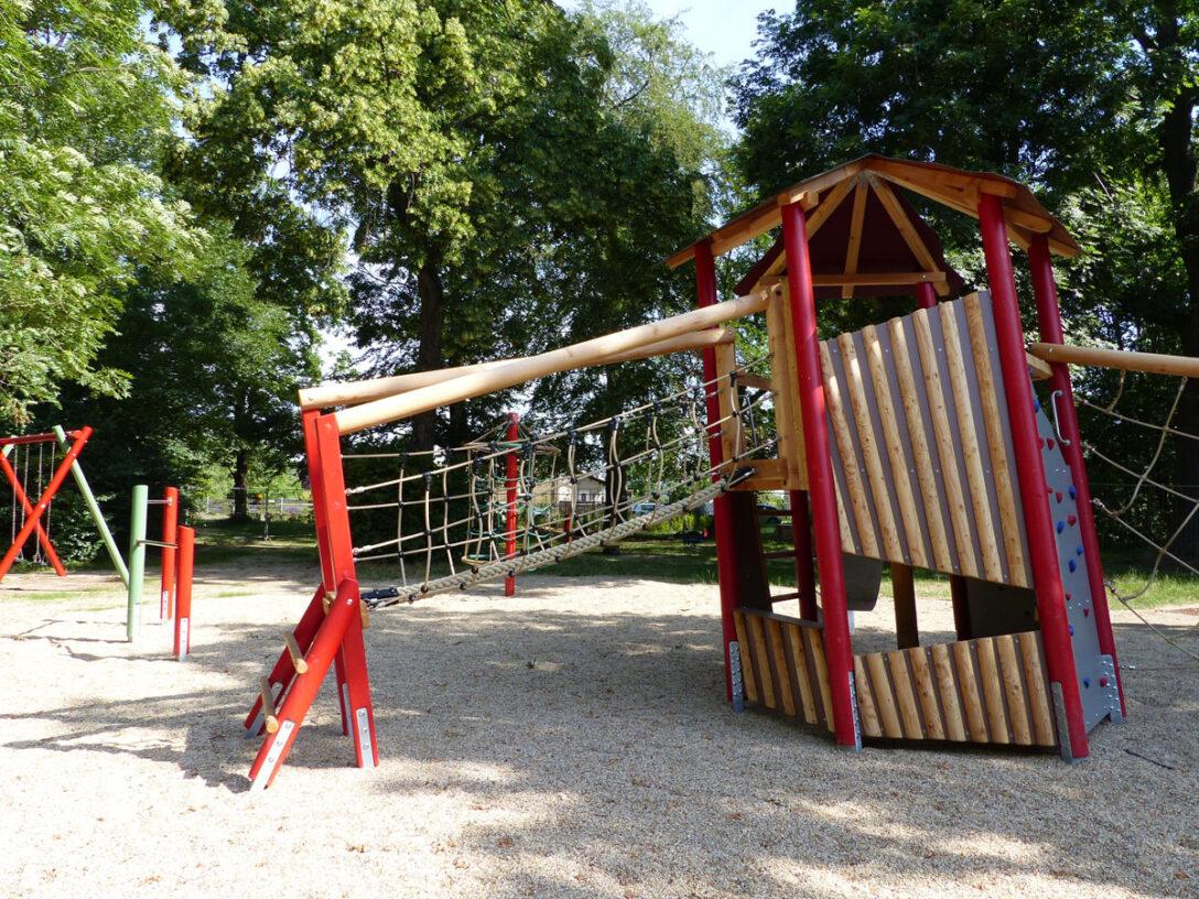 Large Size of Spielturm Bauhaus Spielplatz Park Breitenfeld Stadt Leipzig Garten Fenster Kinderspielturm Wohnzimmer Spielturm Bauhaus
