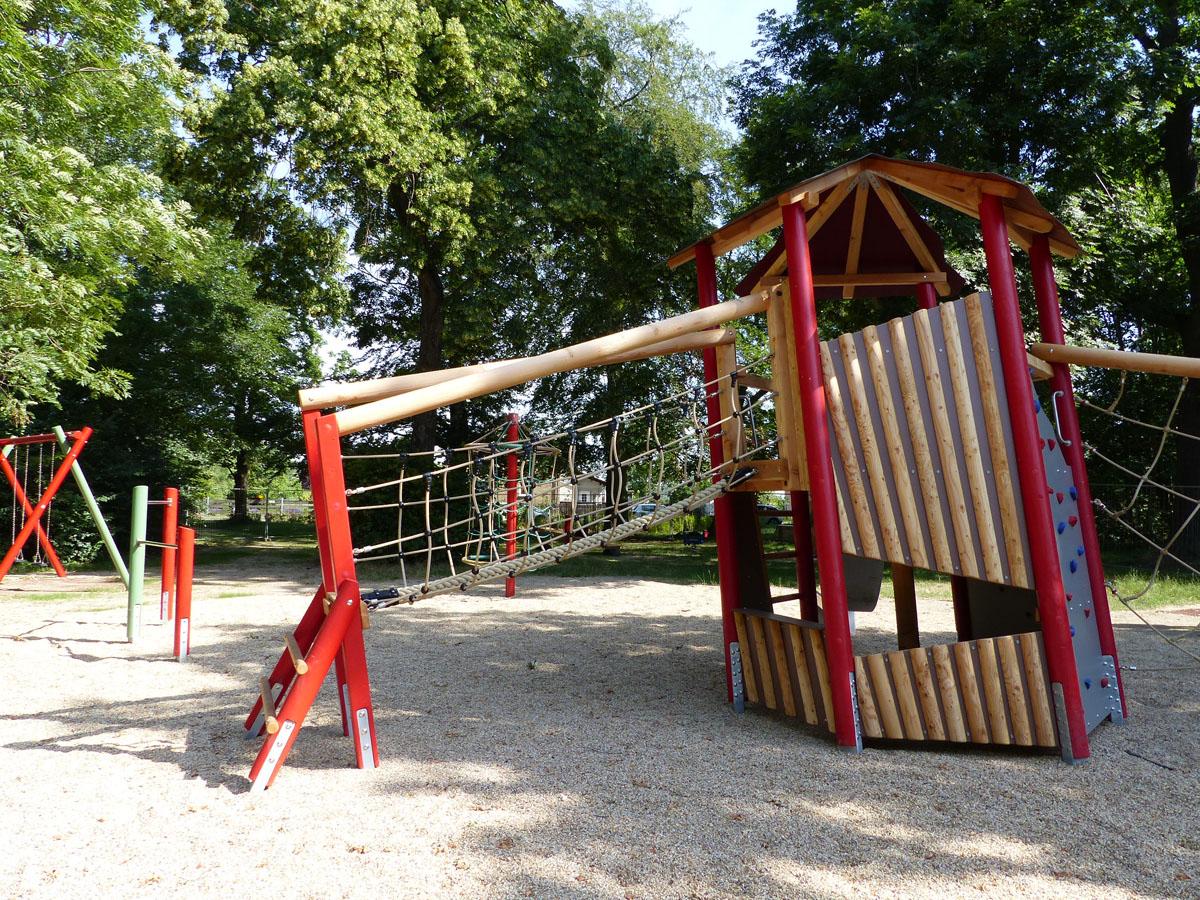 Full Size of Spielturm Bauhaus Spielplatz Park Breitenfeld Stadt Leipzig Garten Fenster Kinderspielturm Wohnzimmer Spielturm Bauhaus